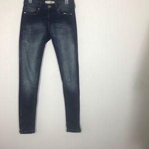 Zara Basic- Dark wash Straight Leg Jeans size 6